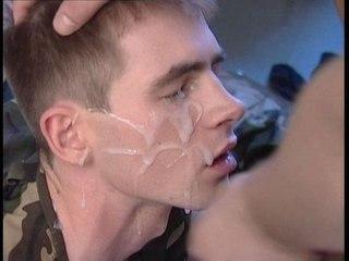 видеозапись парни солдаты дрочат в контакте