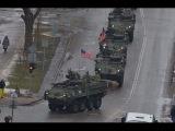 Военные США и Великобритании провели парад в 300 метрах от границы России .