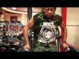 [Video] Cụ già 77 tuổi nâng tạ 90 kg
