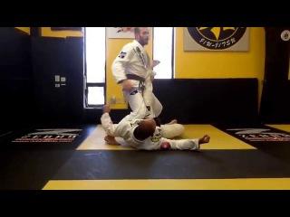 Ben Eaton RIbeiro Jiu-Jitsu triangle defense