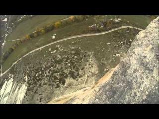 Пригодин Владимир 2 5 грот Качи-Кальон прыжки с верёвкой в Крыму с командой Скайлайн