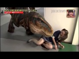 ПРИКОЛЫ!!! СУПЕР РОЗЫГРЫШЬ ДИНОЗАВР T REX Japanese prank dinosaur T REX in hall way part 111