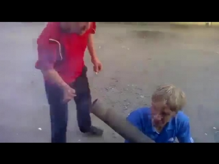 Русский парень стреляет из базуки [прикольное, видео, смешное, ржачное, новое, угарное, обоссаться, шок, фишка, coub, youtube, в