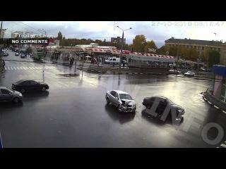 ДТП на перекрестке пр.Ленина - ул. 23 Августа (27-10-2015)