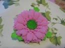 Цветы из фоамирана мастер класс. Брошь гербера из фоамирана.