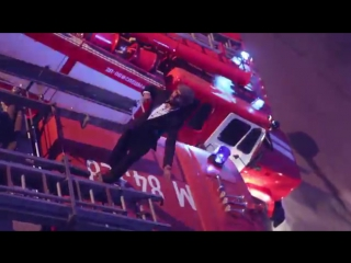 УСы - Пожарный ЗИЛ - цвет КИЗИЛ Пародия Тимати (Лада седан - Баклажан) (1)