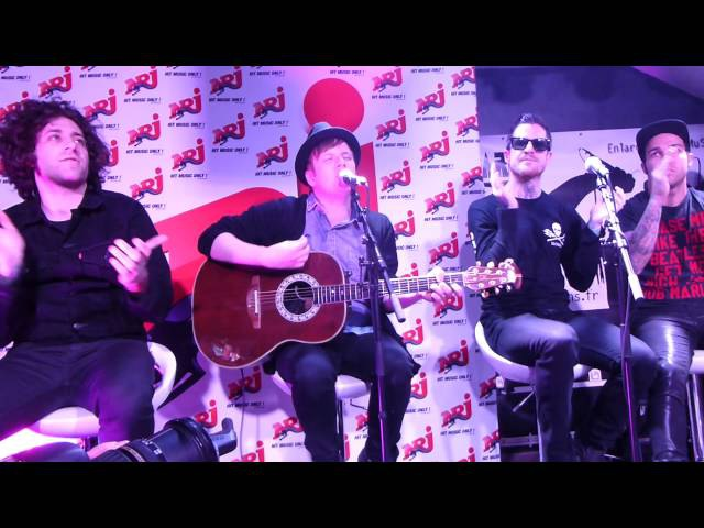 Fall Out Boy - The phoenix Sugar We're Going Down - Live acoustic @ Orléans - Infrared 04 04 13