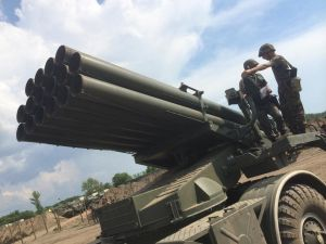 Украинские каратели наращивают ударные групировки в районе Дебальцево и Горловки