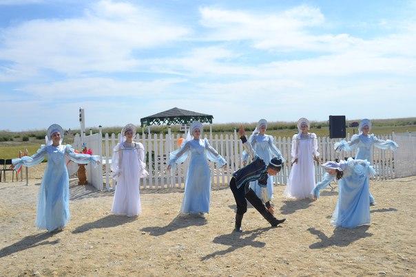 Выступление творческих коллективов из Соль-Илецкого района на открытии  родника «Белый Ключ»