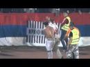Igrac Partizana Danko Lazovic pomogao navijacu Partizan Tottenham 18 09 2014