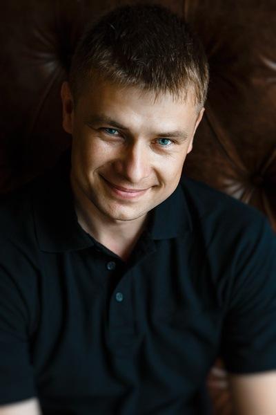 Андрей Неустроев