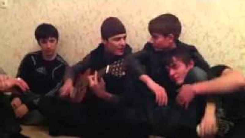 Чеченец и гитара 95 .mp4
