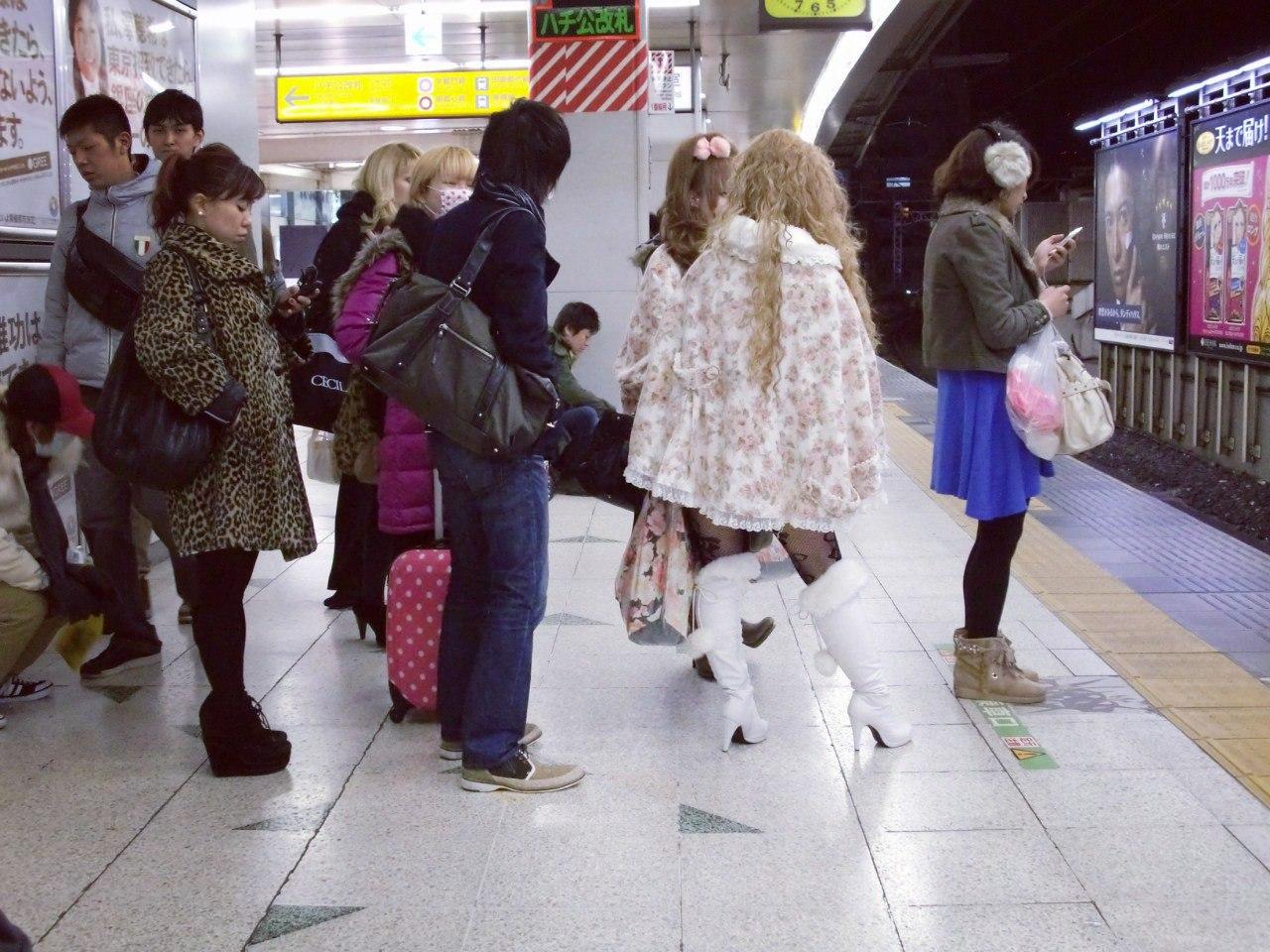 Фото из метро спящих девушек фото 128-700