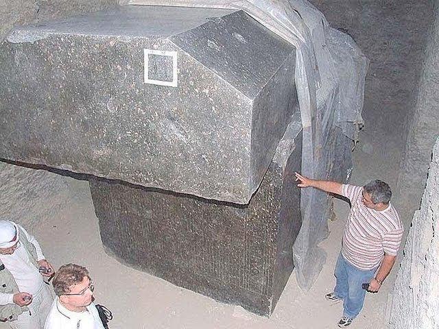 Тайна гранитных саркофагов Серапеума.