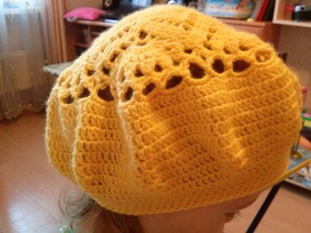 Продается желтый беретик для девочки 2-4 лет. Ручная работа. Цена 300р.