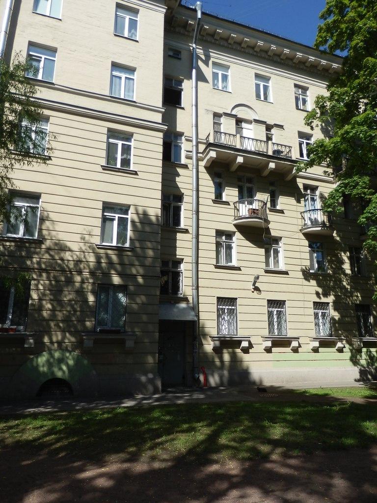 Продается 1 комната в квартире, Красногвардейский район, набережная, Петербург LRITKNtwBqY