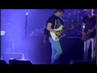 Гитарист Кирилл Дорошкевич на концерте Виктора Королёва (Псков)