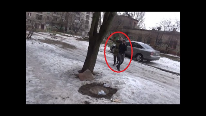 Ukraine War ~ Journalists escorted by Russian soldier running for cover in Horlivka