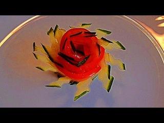 Цветок из огурца и помидора! Flower of cucumber and tomato! Украшения из овощей!