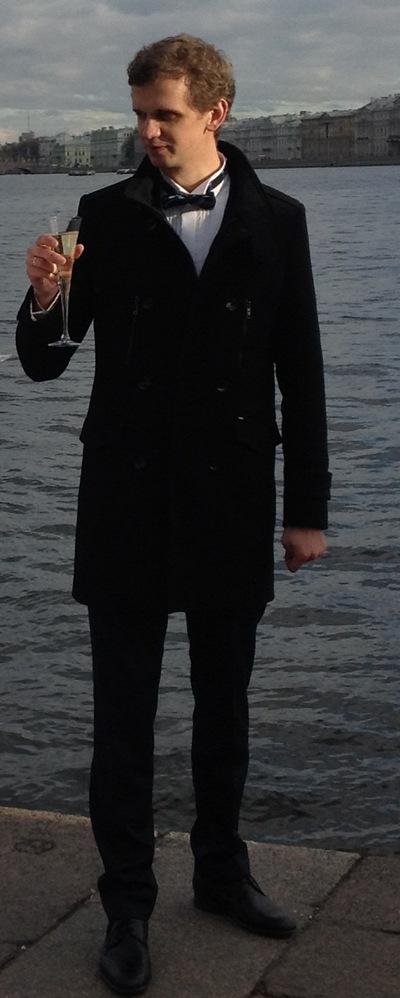Максим Рыкунов