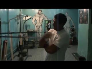 Тарас Ивакин тренировка с резиной.