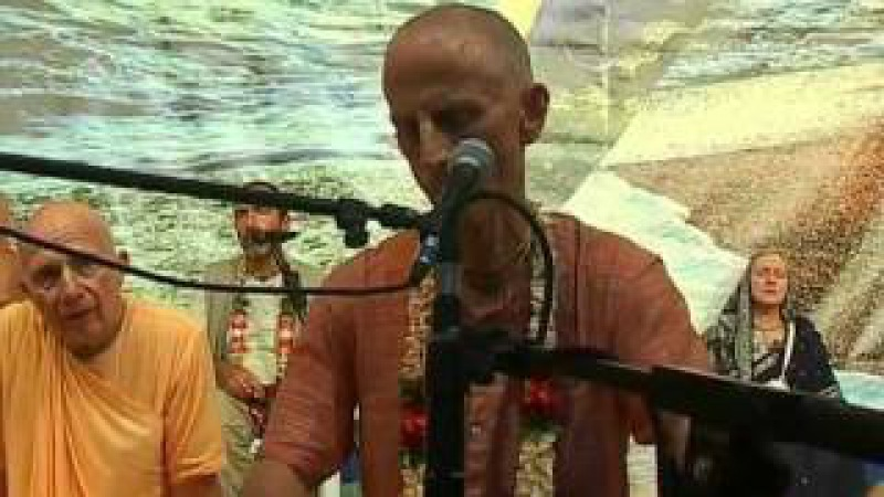 2011 09 11 Evening kirtan part 2