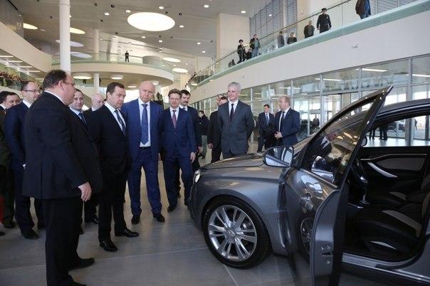 Автоновости!!!Дмитрий Медведев в ходе посещения нового терминала аэро
