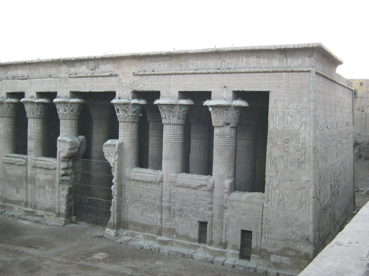 Древнеегипетский храм в Эсна