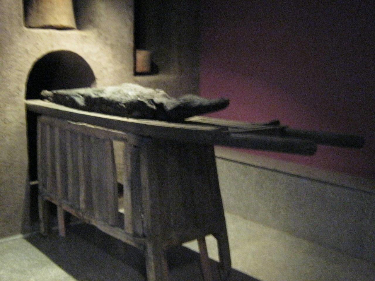 Захоронение крокодила в музее при храме Ком Омбо