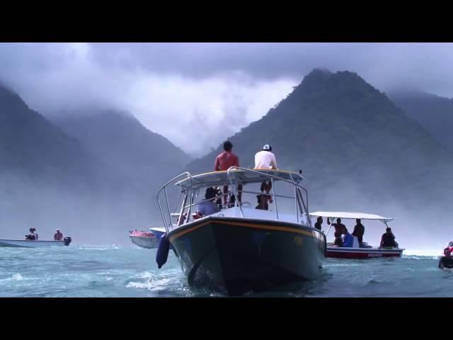 Серфинг на самых больших волнах в мире - Teahupoo