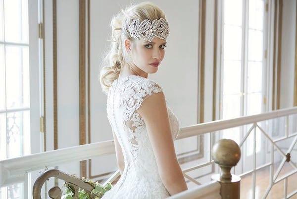w2W43OCtpok - Свадебные платья от Justin Alexander