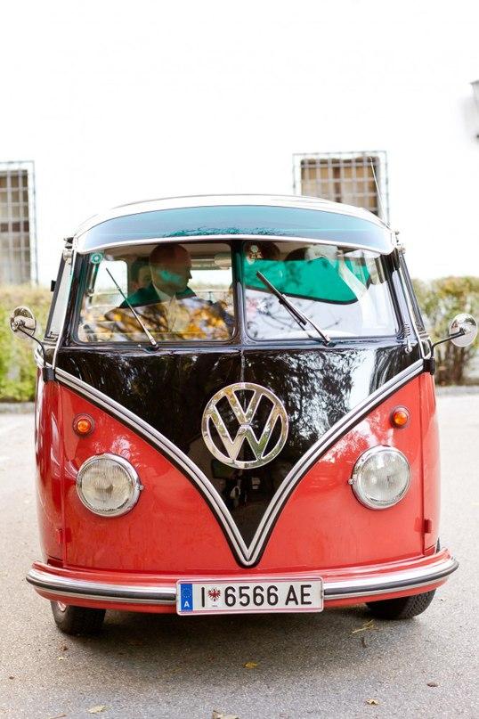 JIaak1nrtaU - Автомобиль свадебного кортежа