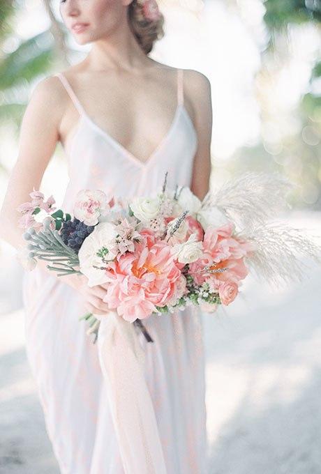 4PtQtWDDSpg - Органические свадебные букеты (25 фото)
