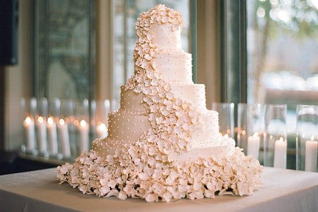 kcF JUNvPn8 - Свадебные торты королевских семей Англии (7 фото)