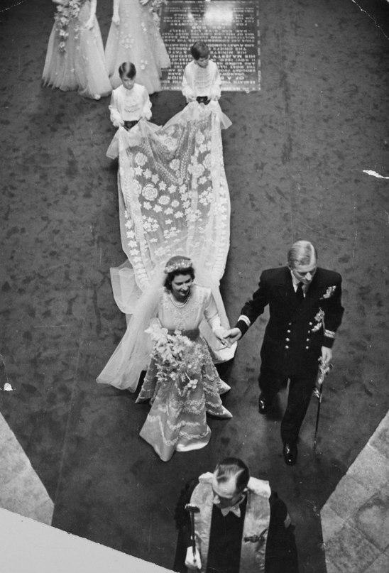 OFHTzw3zeOk - Свадьба королевы Елизаветы и принца Филиппа