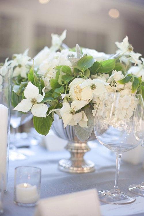 BnPOL6ZmXUI - Один из цветов свадебного букета невесты