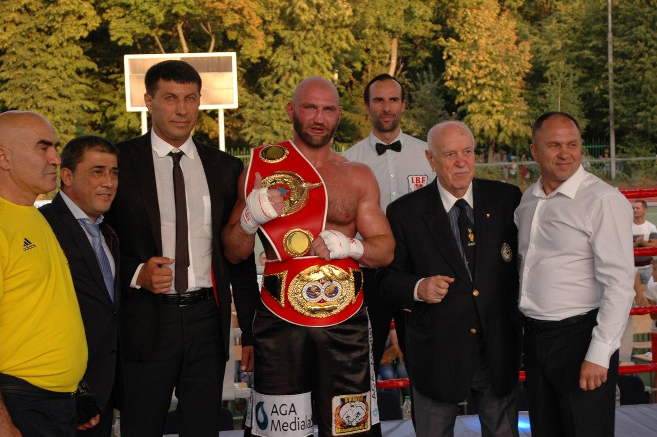 VINNYTSIA WOLVES CHEERLEADING TEAM вперше супроводжувала Великий бокс