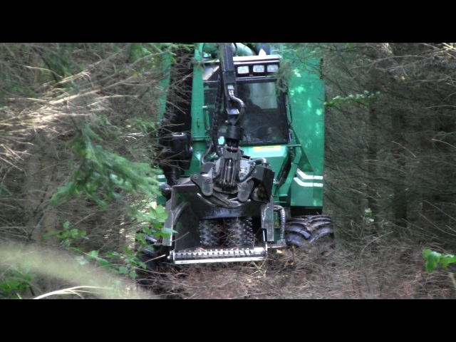 Silvatec 878CH Self Propelled Chipper In The Woods