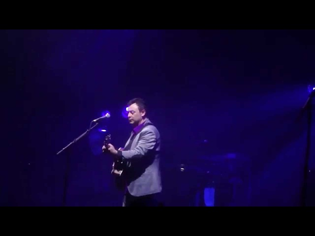 Manic Street Preachers - From Despair To Where (JBD solo acoustic) - Brixton Academy, 11 April 2014