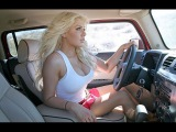 Прикол! Девушка блондинка, за рулем, На светофоре сдает задним ходом, ДТП