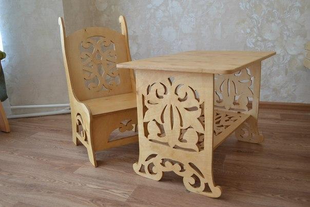 Детский стол и стульчик из фанеры