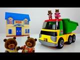 Видео для детей: Семья мишек Виладж стори в новом доме. Игрушки для детей Village Story Toys