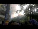 В Киеве на Дарнице горит крыша жилого дома