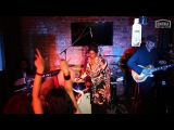 Club des Belugas &amp Brenda Boykin 03.10 Биржа Бар - запись концерта