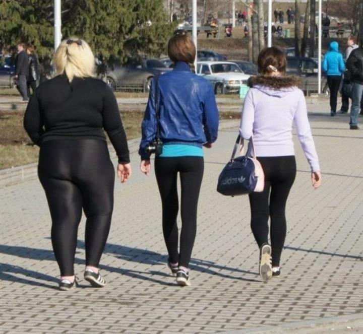 Например  у девушки избыточный вес, но она носит обтягивающую одежду. В  этом случае надо либо работать на собой, либо надевать что-то другое. b8ee4c8c8dd