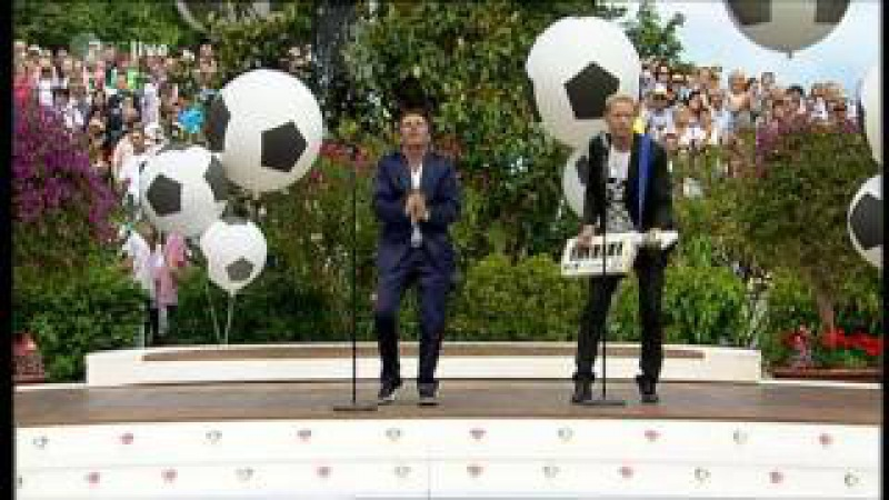 Anders | Fahrenkrog - No More Tears On The Dancefloor (EURODISCO mix, ZDF-Fernsehgarten 26.06.2011)