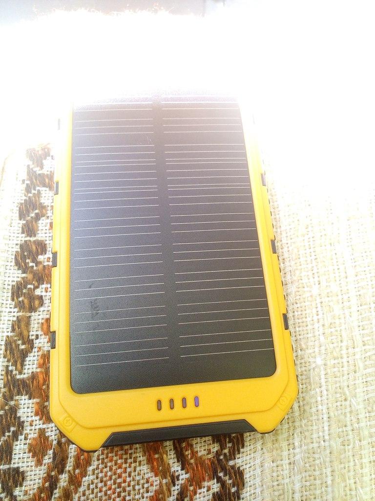 Aliexpress: Неплохой павербанк с солнечным элементом