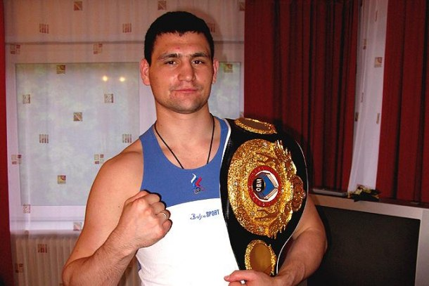Самарский боксер Александр Алексеев.