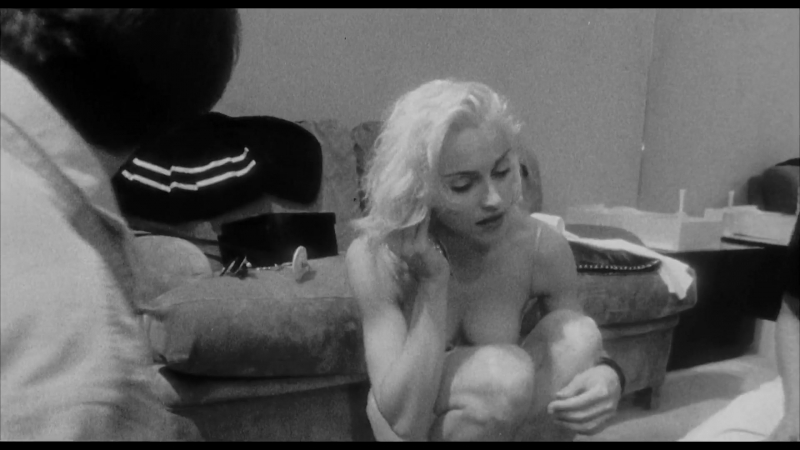 Мадонна ( Madonna nude scenes in Madonna. Truth or Dare