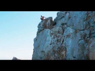 Прыжок со скалы в Крыму (Симеиз)